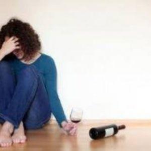 Чому від вина болить голова і як з цим впоратися?