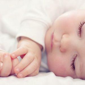 Сон дитини в 6-7 місяців. Інформація для батьків